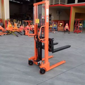 Picture of Manual Narrow Pallet Stacker 1.5 Ton 1.6m