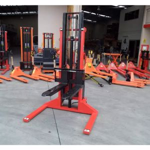 Picture of Semi Electric Straddle 2 Ton 3m Pallet Stacker